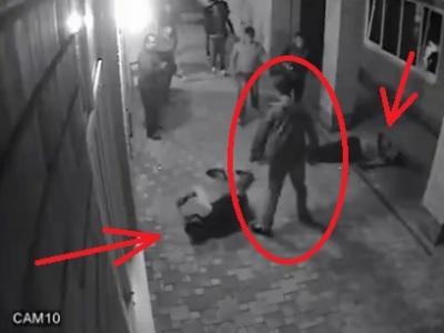 Video: Stačili dve rany a išli k zemi. Nikdy si nezačínajte s boxerom, nevypláca sa to