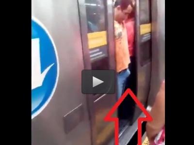 Video: Mužovi metro privrelo penis!
