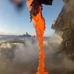 Extrémne blízko tečúcej lávy: Pozrite si video, ako kreuje novú pevninu v oceáne!