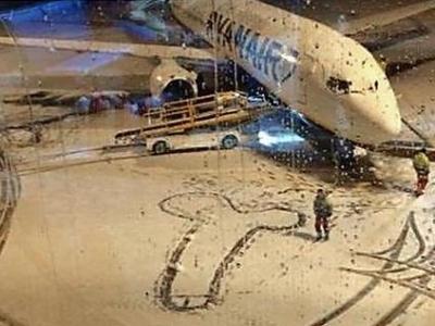 Snežný falus v Ryanair. Reakcia hovorcu vás pobaví